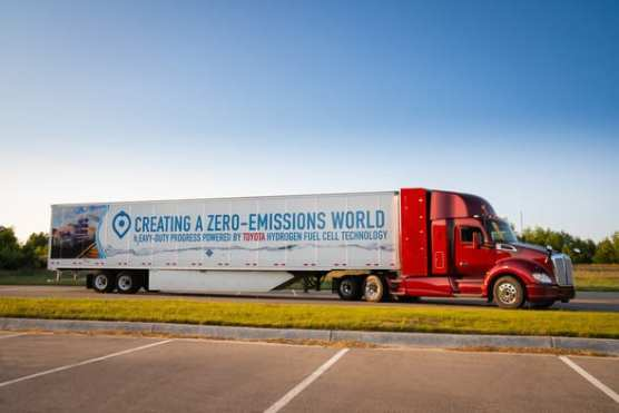 Kenworth trucks with Toyota Fuel Cells will begin serving the Port of Los Angeles in 2020.