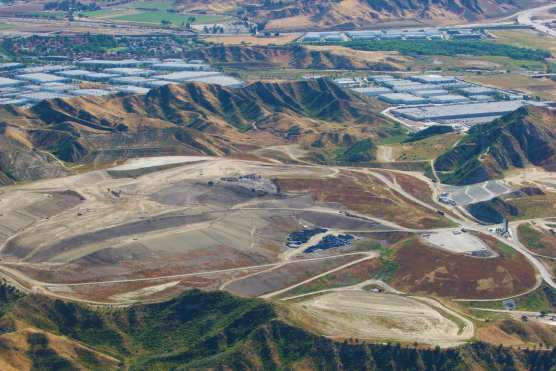 An aerial view of the Chiquita Canyon Landfill on May 20, 2010. | Photo: Stephen K. Peeples.