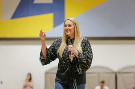 Nikki Bozeman, athlete and anti-bullying advocate, speaks to teens about experiences as a youth being larger than her peers and overcoming bullying and teasing, Wednesday, Feb. 26, 2020. | Photo: Gilbert Bernal / The Signal.
