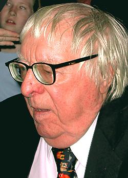 Ray Bradbury at the Pasadena Civic Auditorium, Jan. 3, 2004. Photo/Leon Worden.