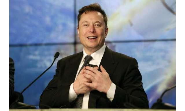 Lanzamiento de SpaceX, destruye cohete en prueba de escape de astronauta