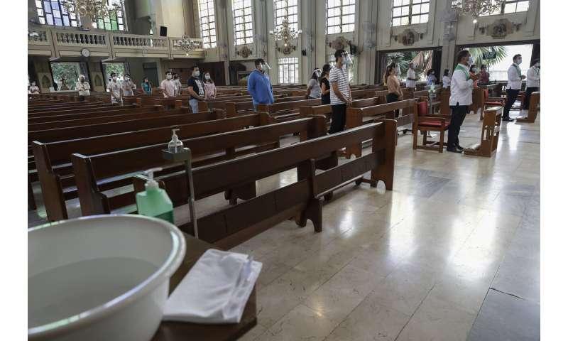 Philippines virus cases top 100,000 in 'losing battle'