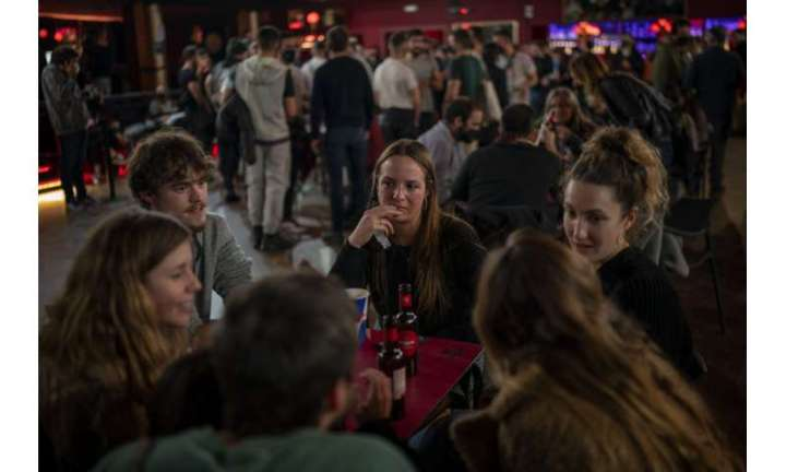 Barcelona concert tests use of same-day COVID-19 screening