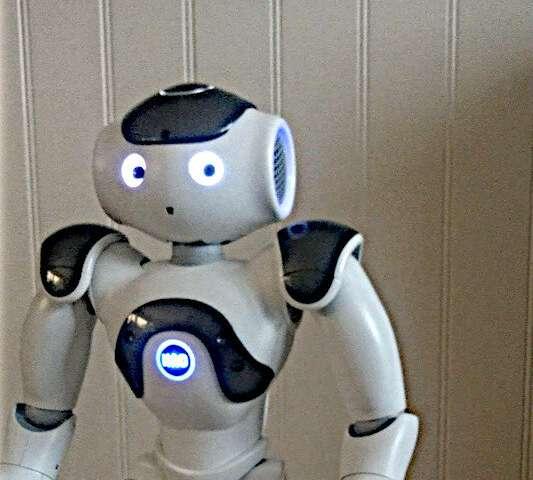 Использование социальных роботов для улучшения языковых навыков детей