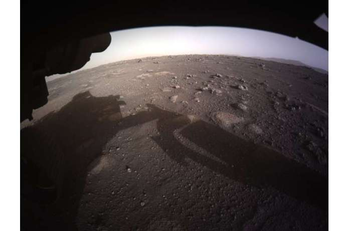Mars landing team 'awestruck' by photo of descending rover