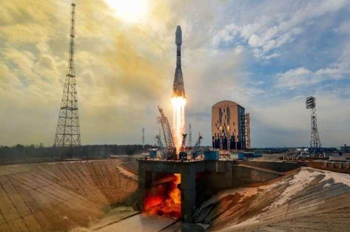 रूस के वर्कहॉर्स सोयुज रॉकेट को बदलने की योजनाएं दूर ले जाने के लिए एक लंबा रास्ता तय करती हैं