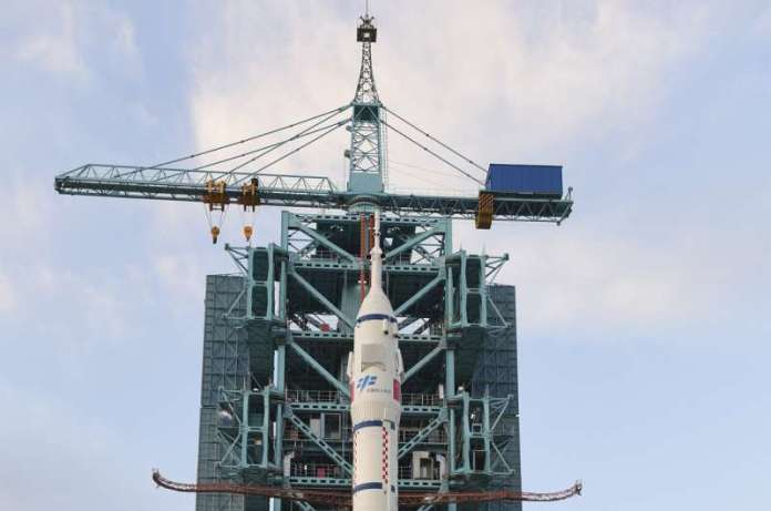 Rocket in place to send 3 crew to Chinese space station