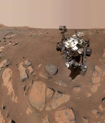 Rocks on floor of Jezero Crater, Mars, show signs of sustained interactions with water