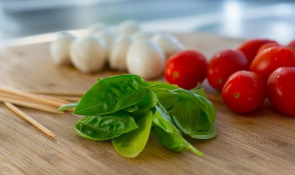 Mediterranean diet promotes gut bacteria linked to