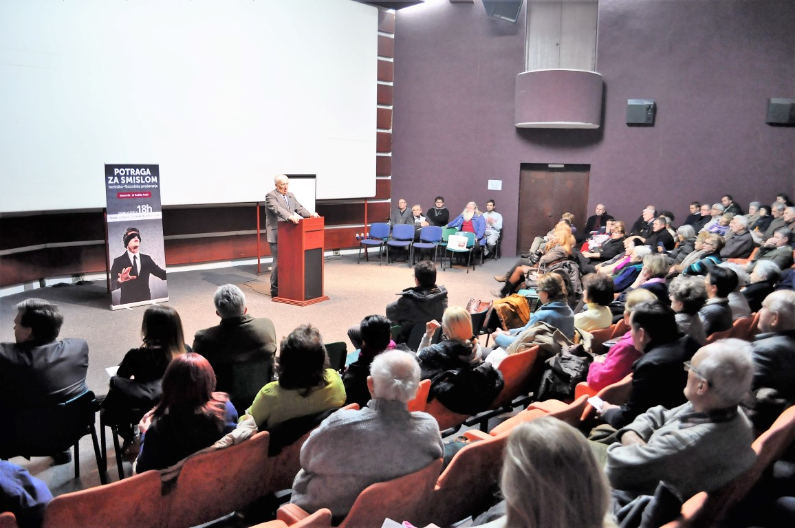 """Despite challenging winter weather and a local flu epidemic, an interested and enthusiastic crowd showed up to hear Seventh-day Adventist theologian Dr. Radiša Antić speak about the """"Quest for the Meaning of Life."""" (tedNews photo)"""