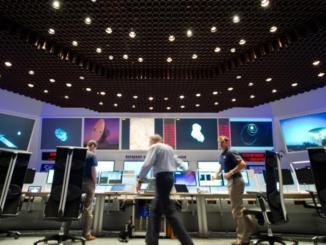 علماء داخل وكالة الفضاء الأوروبية التي تشارك فيها بلجيكا