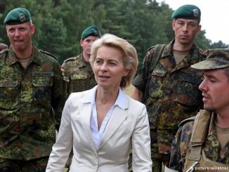 وزيرة الدفاع الألمانية