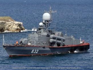 لنش الصواريخ المصري RKA-32 Molniya