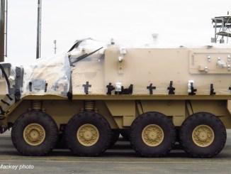 مركبة LAV يتم تحضيرها لنقلها إلى السعودية