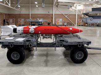 قنبلة B61
