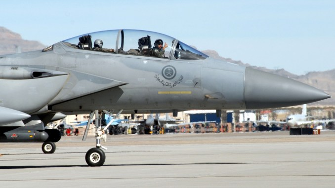 مقاتلة أف-15 سعودية