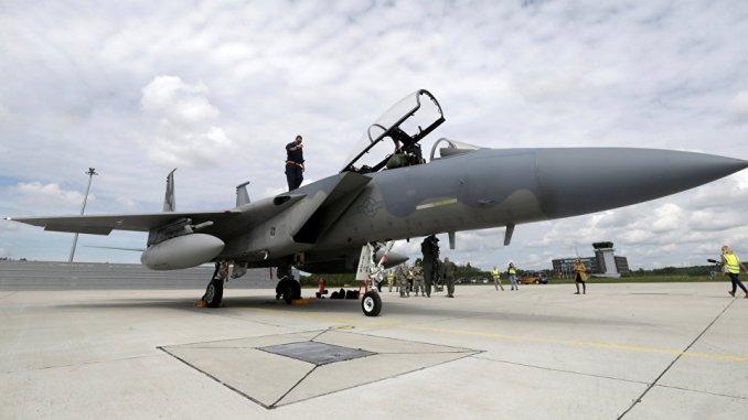 مقاتلة أف-15 أميركية