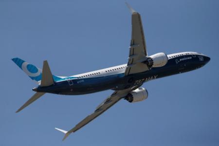 طائرة بوينغ ماكس الجديدة في معرض باريس للطيران