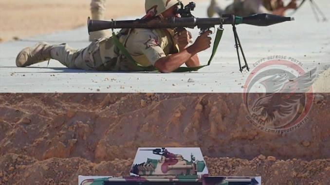 جندي مصري في ميدان قاعدة محمد نجيب العسكرية