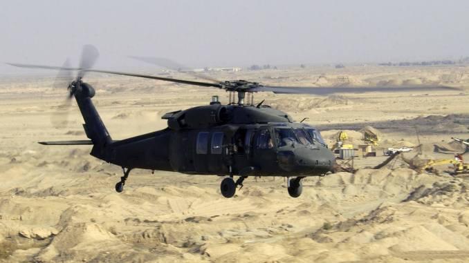 طائرة بلاك هوك المروحية
