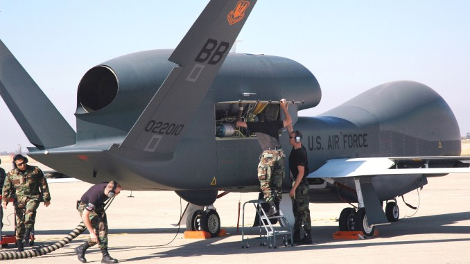 طائرة أر.كيو 4 من دون طيار