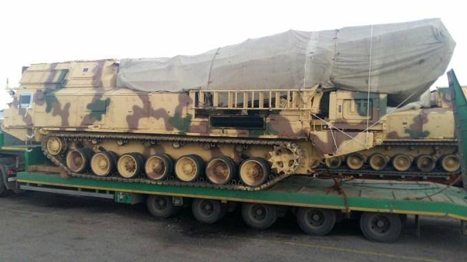 """نظام """"أس-300في أم"""" بالتمويه الصحراوي المصري (بوابة الدفاع المصرية)"""