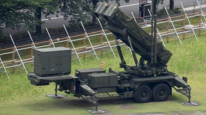 """نظام صواريخ أرض-جو من نوع """"باك-3"""" منشور في محيط وزارة الدفاع في طوكيو في 14 تموز/يوليو 2014 (AFP)"""