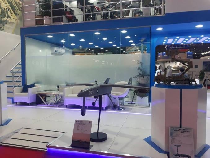 طائرة FALCO بدون طيار من إنتاج Leonardo في منصة عرض مجمع باكستان للطيران في معرض دبي للطيران