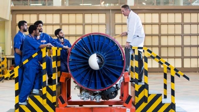 صيانة محرك طائرة