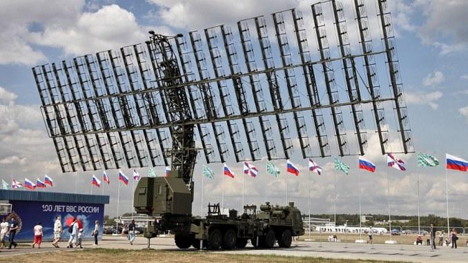 """نظام الرادار المضاد للصواريخ الروسي من نوع """"نيبو-أم"""" المخصص لمواجهة الأنظمة المضادة للصواريخ البالستية التابعة لحلف الناتو (Wikipedia)"""