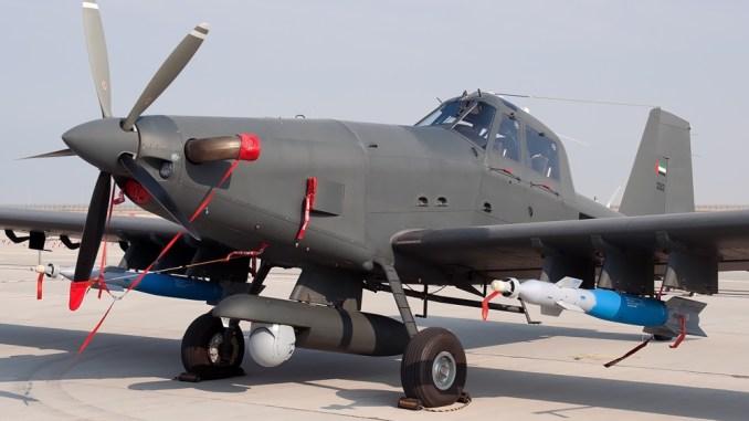 طائرة AT-802 إماراتية خلال عرض عسكري