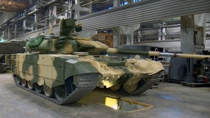 """دبابة """"تي-90"""" تابعة للجيش العراقي في مصنع شركة أروالفانزافود في روسيا (موقع ديفانس بلوغ)"""