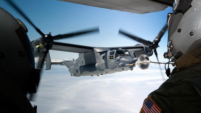 """طائرة """"في-22 أوسبريه"""" أميركية خلال عملية تزوّدها بالوقود (شركة بوينغ)"""