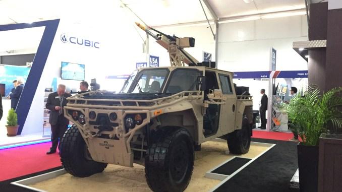 """مركبة المهام الخاصة التي تتناسب مع كافة أنواع الطرق (S-ATV) في جناج شركة """"أوشكوش"""" الأميركية خلال فعاليات معرض """"سوفكس 2018"""" (الأمن والدفاع العربي)"""