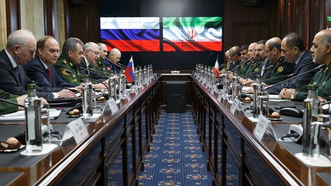 لقاء روسي-إيراني في موسكو بحضور وزيري دفاع البلدين (صورة أرشيفية)