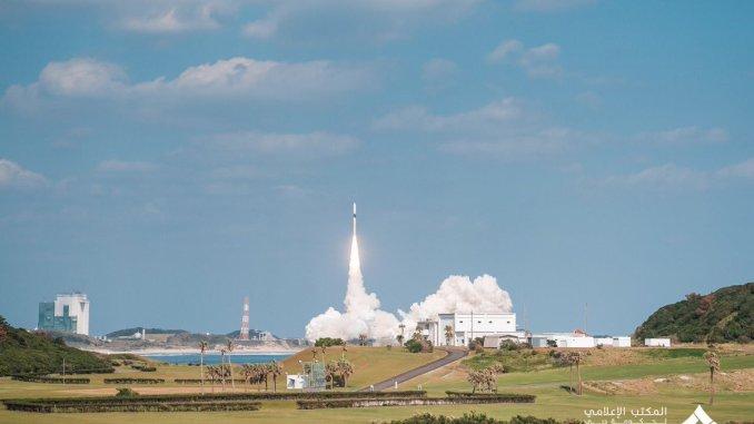 """إطلاق القمر الاصطناعي الإماراتي """"خليفة سات""""في 29 تشرين الأول/ أكتوبر"""