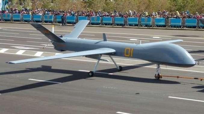 طائرة بدون طيار صينية مصنوعة من البلاستيك من طراز Wing Loong ID (صورة أرشيفية)