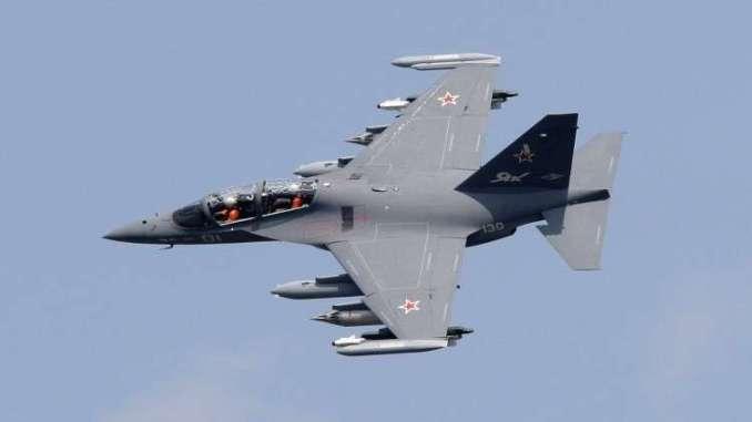 """طائرة """"ياك-130"""""""