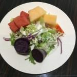 野菜果物が豊富な朝食