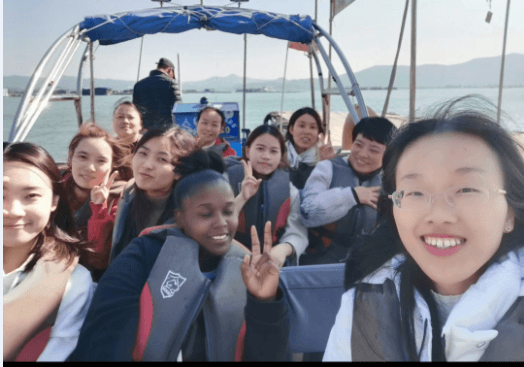 Things To Do In China, Things To Do In China: Friends and Co-workers, SDE Seadragon Education