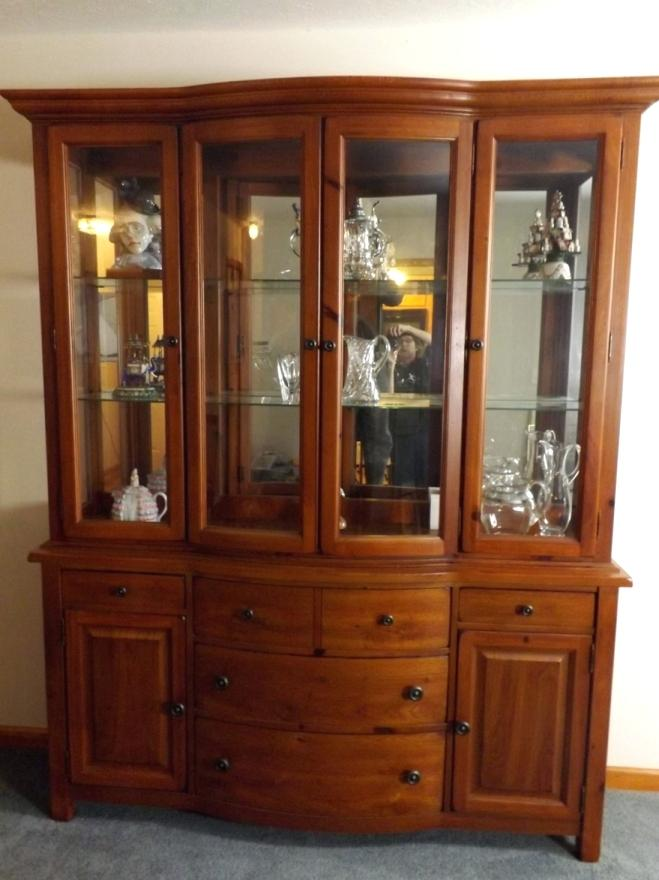 Broyhill Artisan Ridge Curio Cabinet