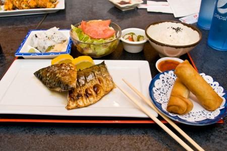 鲅鱼套餐是笔者的挚爱。(摄影:李旭生)