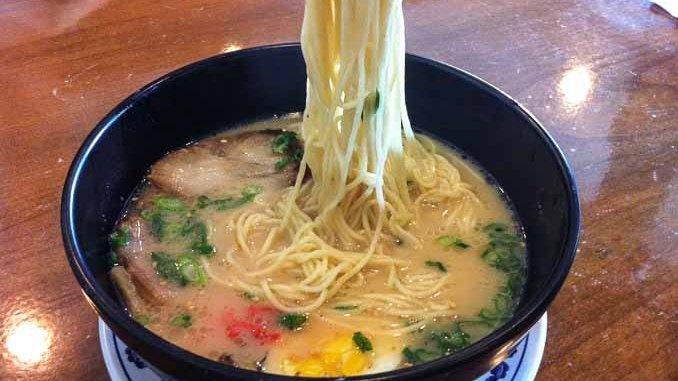 花冈Hanaoka集团旗下Junz餐厅的特色拉面。