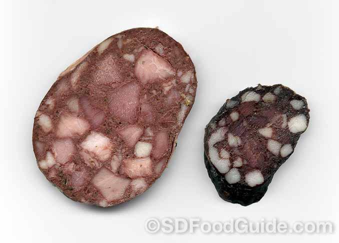 在德国,Blutwurst血肠也是人们餐桌上常见的香肠之一。(维基百科)
