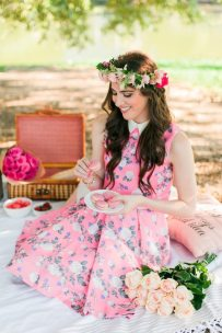 4girly-picnic-in-the-park