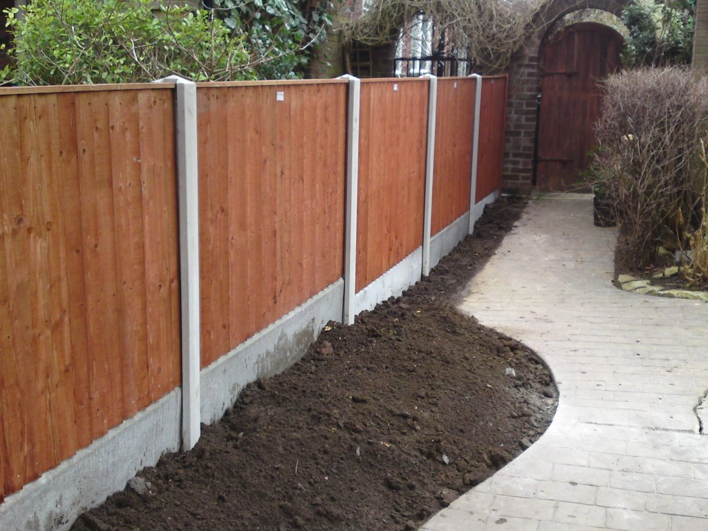 arden-fencing-with-concrete-posts