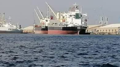 وكيل وزارة النفط يقف على اجراءات وصول بواخر الوقود