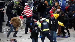 """شرطة واشنطن تعلن حصيلة ضحايا واعتقالات """"اقتحام الكونغرس"""""""
