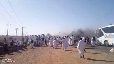 العطش يضرب ألف فدان بالجزيرة والمزارعون يقطعون طريق مدني- سنار