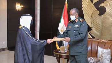 البرهان يتسلم دعوة رسمية من الشيخ تميم لزيارة دولة قطر